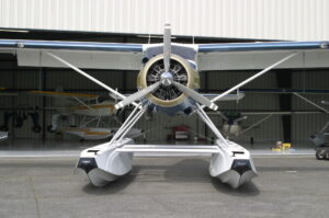 Beaver on Aerocet 5850 Floats front